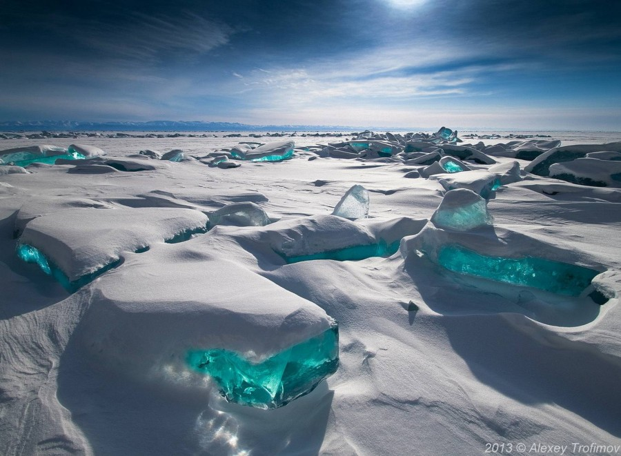 Turquoise Ice, Northern Lake Baikal, Russia [610×700]