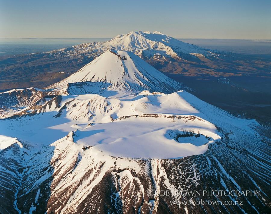 Mt. Tongariro, Ngauruhoe and Ruapehu, Tongariro National Park, New Zealand [2048×1616].