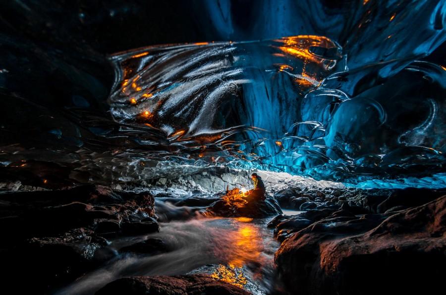Ice cave in Vatnajokull, Southeast Iceland [2048×1356] Photo by Einar Runar Sigurdsson