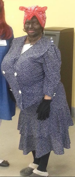 """Lady showed up to work in this costume. I don't think """"Aunt Jemima"""" will work here much longer."""