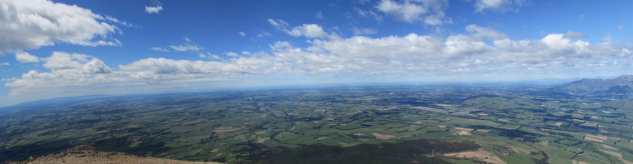 the Canterbury Plains taken from Mt Somers, New Zealand [OC] [1366×356]
