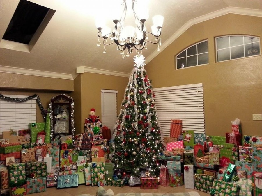 Presents for a family with 10 children.