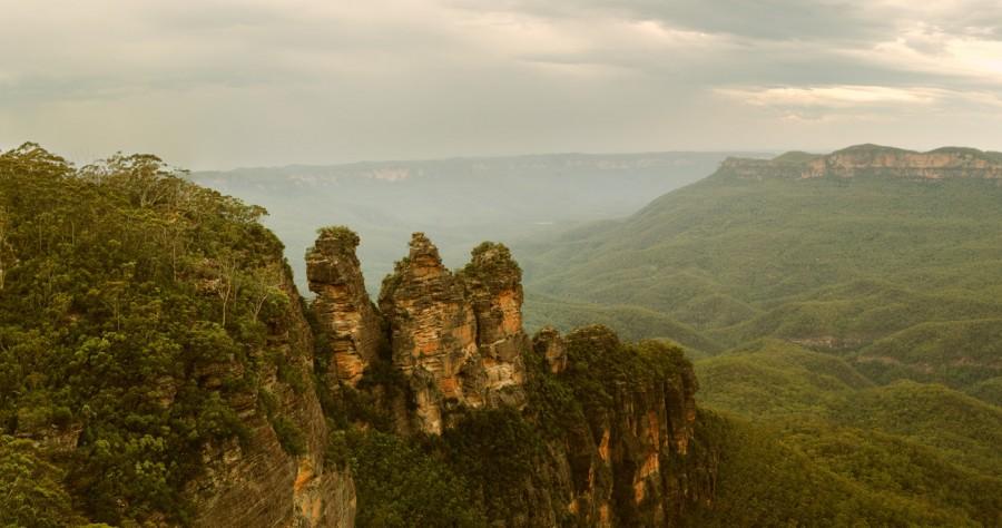 The Three Sisters, Australia [OC] [1400×738]