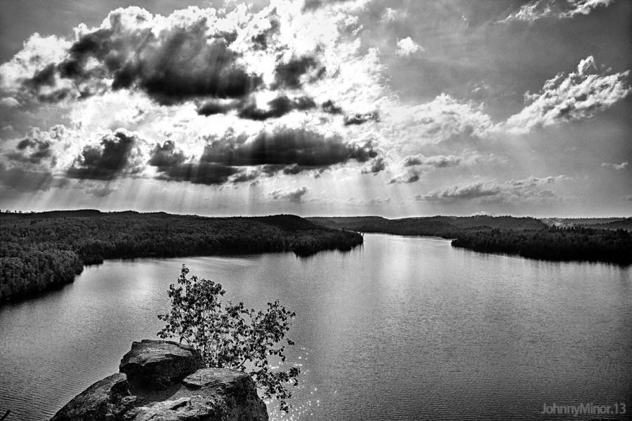 A Lake In Northern Minnesota [OC][1944 x 1296]