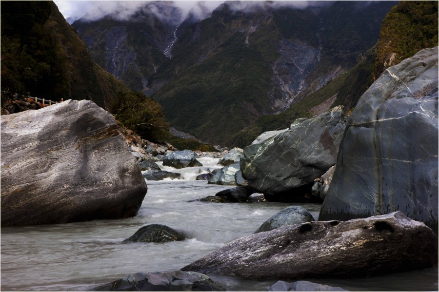Fox River. Fox Glacier, NZ (2048×1365).