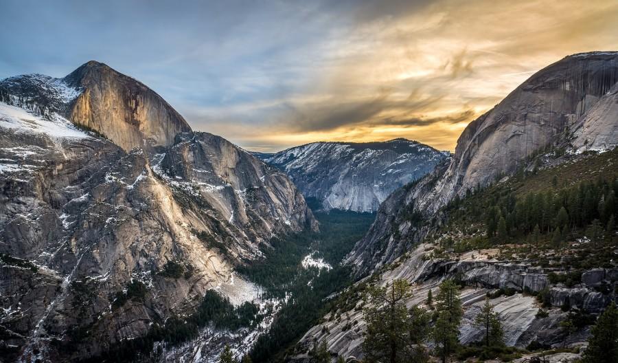 Rare View of Yosemite's Grandeur during Winter [OC] [1600×1200]