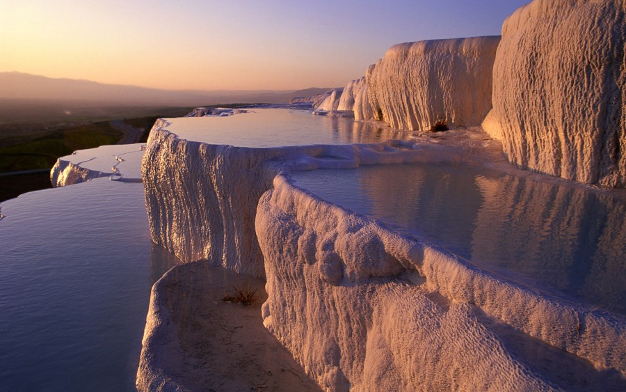 Beautiful Pamukkale Hot Springs in Turkey [1812×1134]