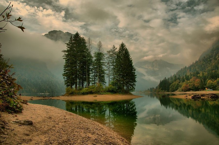 Predil Lake. Austria [905×600].