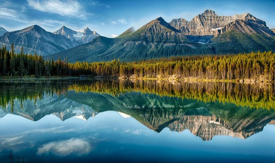Herbert Lake, Alberta. Canada. [2048×1214] [OS] © Jeff Clow.