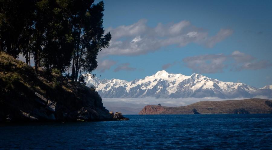 Lake Titicaca, Peru. South America's largest lake [2142×1183]