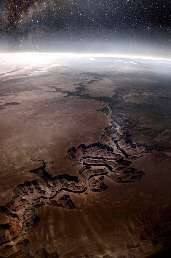 The Grand Canyon as seen from space [1024 X 1545]