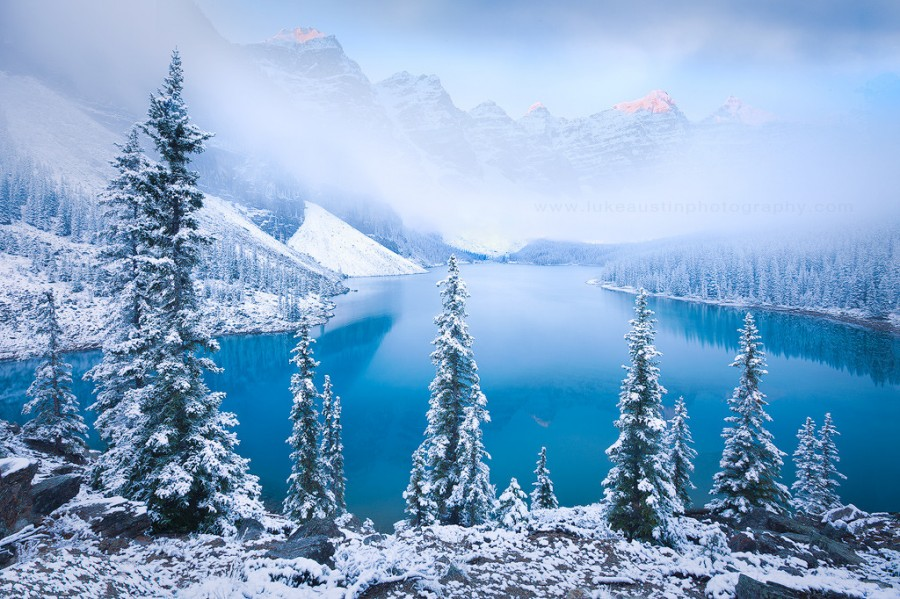 Wintry Lake Moraine in Alberta, Canada [1024×682]