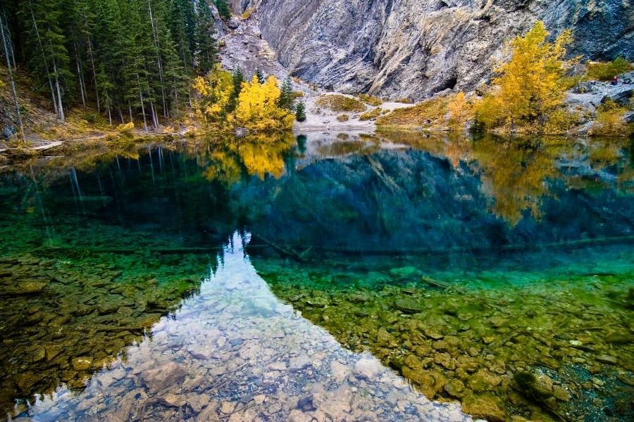 Grassi Lakes near Canmore, Alberta, Canada [3008 x 2008] photo RossBelot