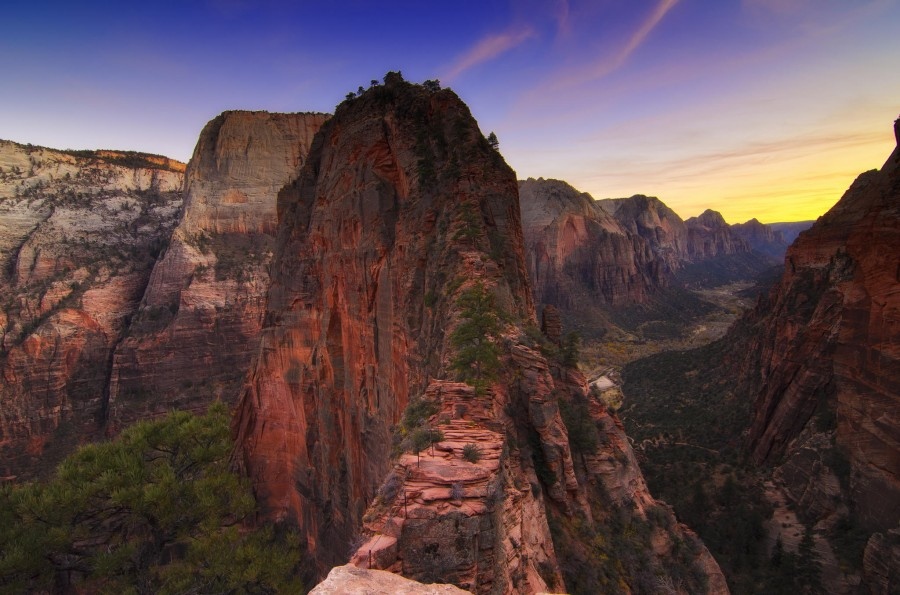 Angel's Landing in Zion National Park [2048×1356]