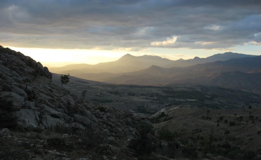 Eastern Turkey looking biblical at sunset. [3072×1889]