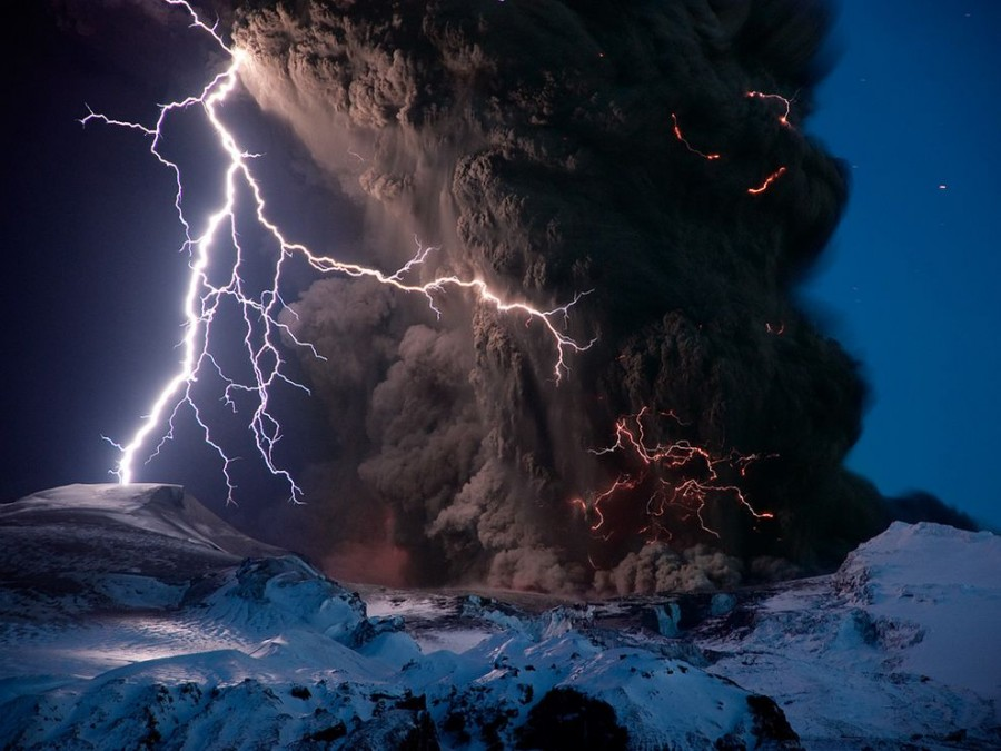 Lightning striking over the erupting Eyjafjallajokull Volcano, Iceland. [989×742]