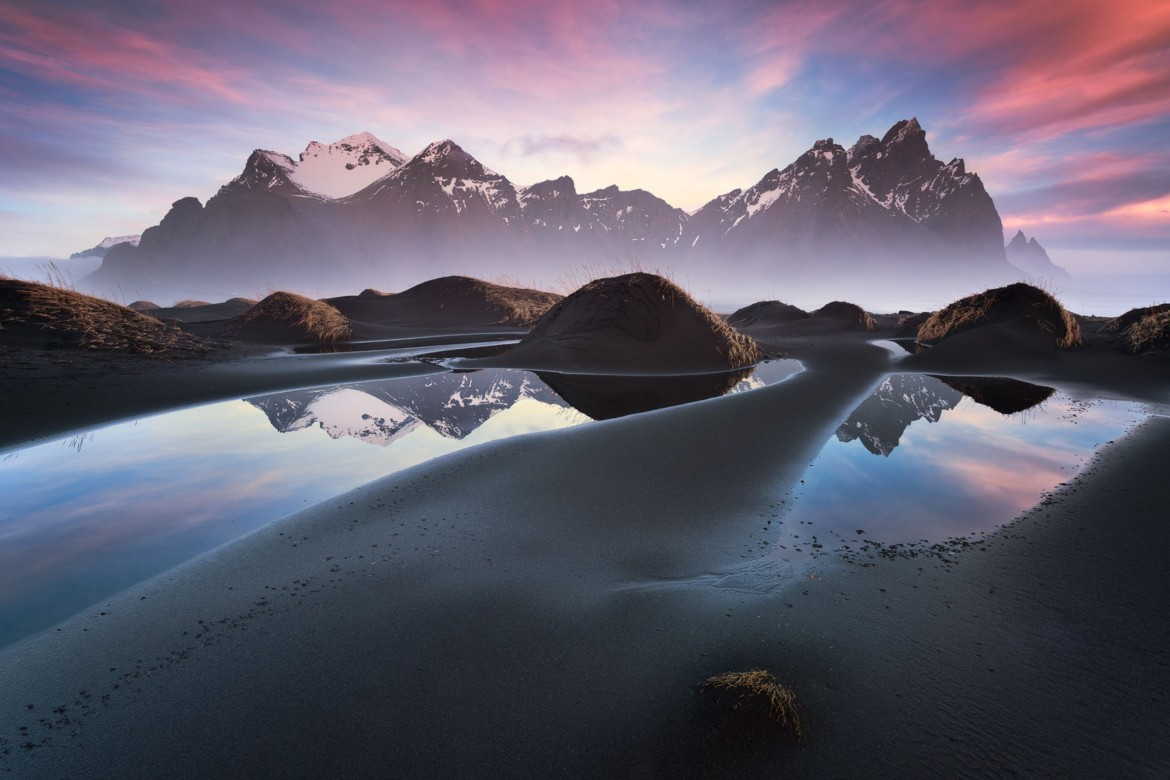 Early morning at the Vestrahorn, Iceland [2880×1922]
