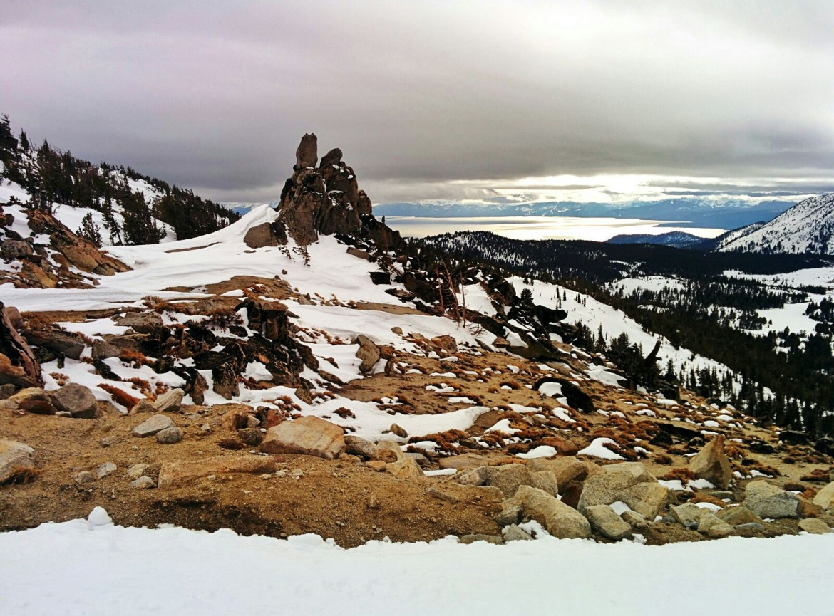 Mt Rose summit looking down on Lake Tahoe – today [3200×2368]