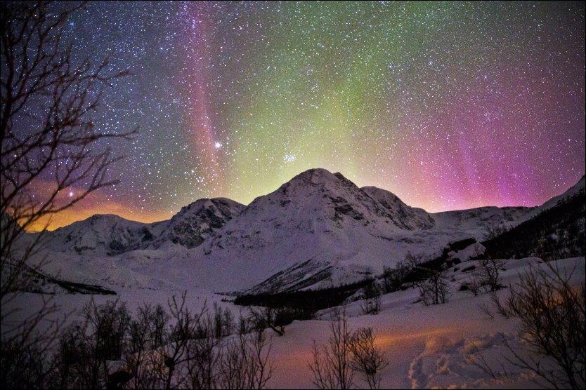Lyngen in Troms, Norway [834×556]