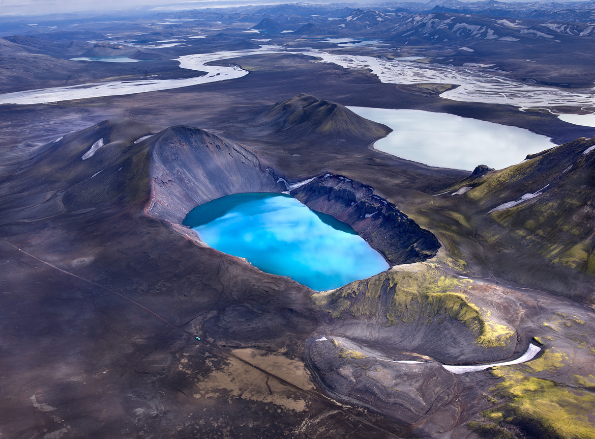 Blue Glacial Lake, Iceland [1170×862] photo by Andre Ermolaev