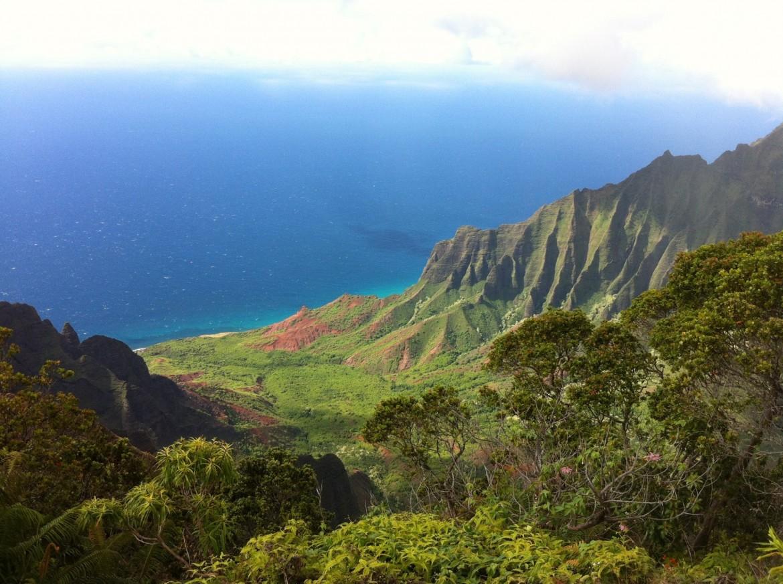 Kalalau Valley, Kaua'i, Hawai'i [1600×1195] [OC]